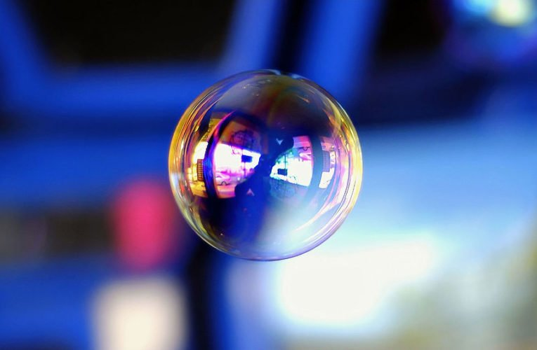 Are there any tangible signs that Web 2.0 is another bubble?
