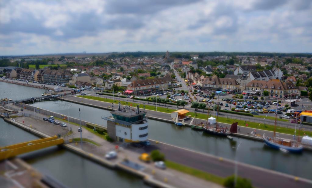 Berceau de la technologie NFC, l'agglomération de Caen-la-mer montre l'exemple en matière de ville intelligente.