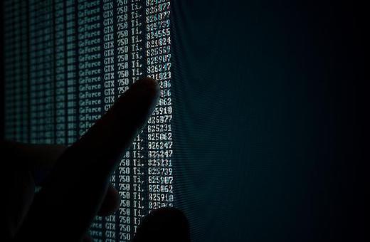 """L'informatique raisonnée en opposition au """"gâchis"""" des grands-projets"""